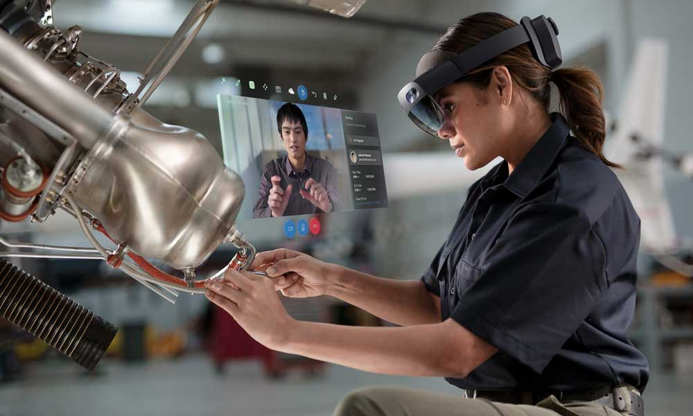 Hololens 2 wurde laut Kipman gezielt als AR-Visor entwickelt statt als Brille. Für einen Brillenformfaktor sei die Zeit noch nicht reif. | Bild: Microsoft